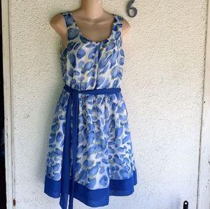 Elle Sleeveless Floral Dress Size M